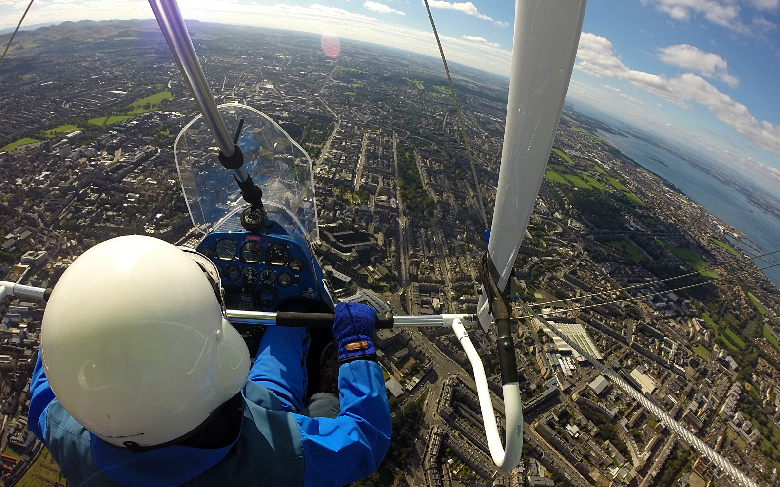 Air Experience flight over Edinburgh